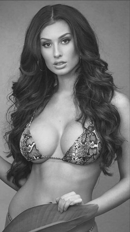 Шикарные черно-белые фото девушек в большом фотосете 10