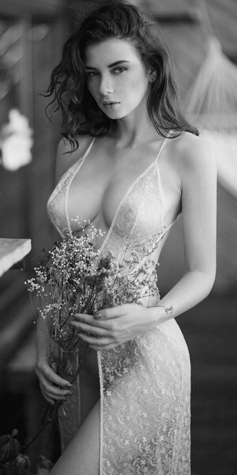 Шикарные черно-белые фото девушек в большом фотосете 27