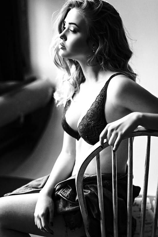 Шикарные черно-белые фото девушек в большом фотосете 30