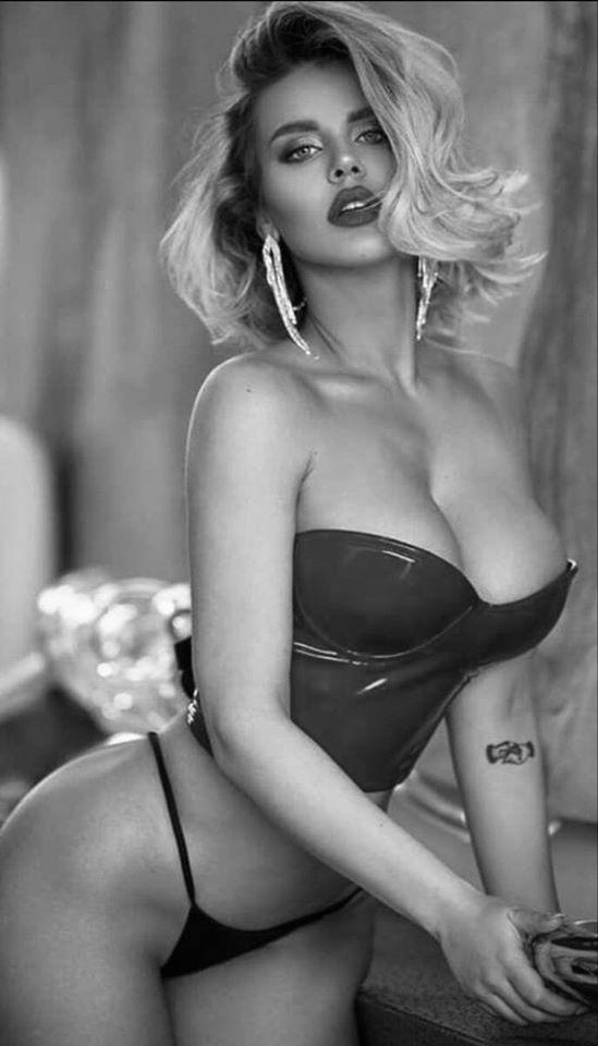 Шикарные черно-белые фото девушек в большом фотосете 31