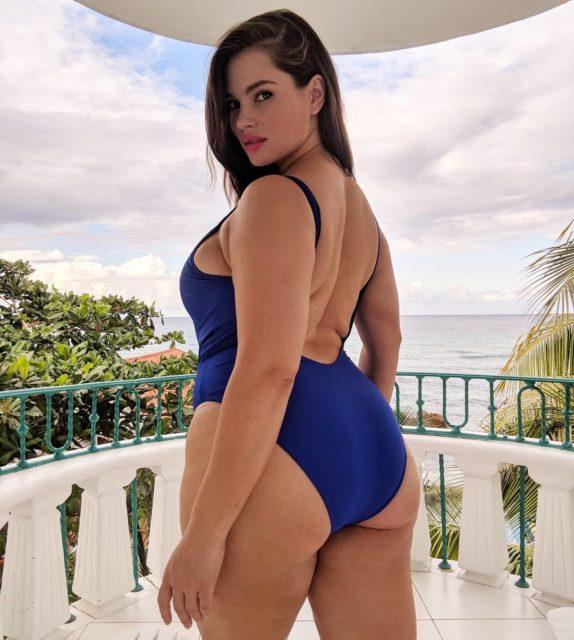 Девушки Сайз-Плюс (Plus Size) в купальниках и нижнем белье - Это надо видеть! 16