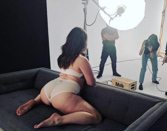 Девушки Сайз-Плюс (Plus Size) в купальниках и нижнем белье - Это надо видеть! 23