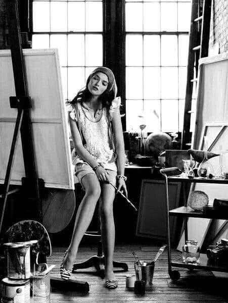 Шикарные черно-белые фото девушек в большом фотосете 1
