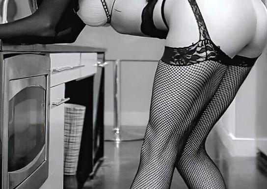 Эротические черно-белые фото девушек: красиво и сексуально