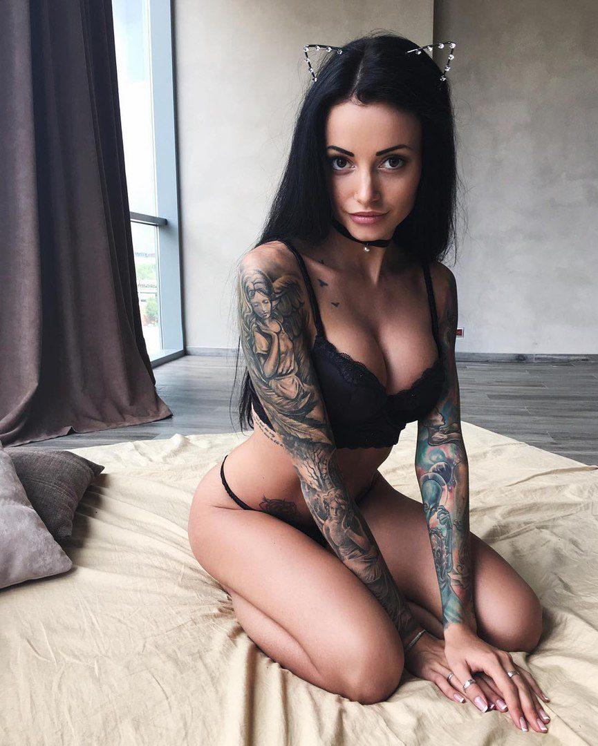 Фото девушек с татуировками - Шикарная подборка красоток с тату 14
