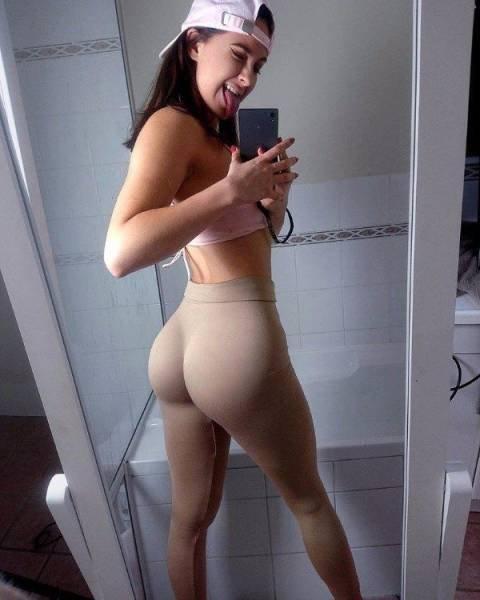 Любительские фото сексуальных фитоняшек в лосинах 7