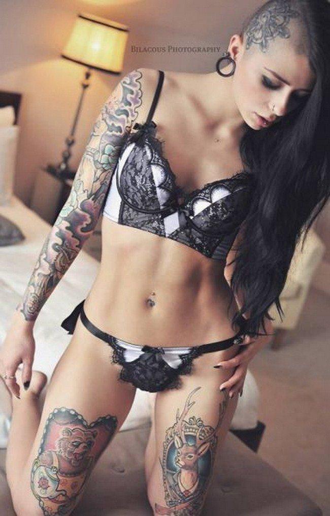 Фото красивых девушек с татуировками: большая подборка 10