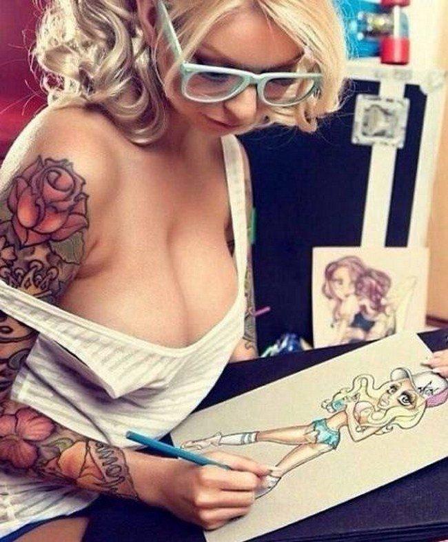 Фото красивых девушек с татуировками: большая подборка 14