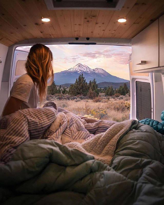 Путешествовать в фургоне по-настоящему приятно - главное, создать уют 3