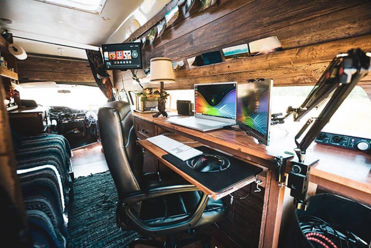 Путешествовать в фургоне по-настоящему приятно - главное, создать уют 5