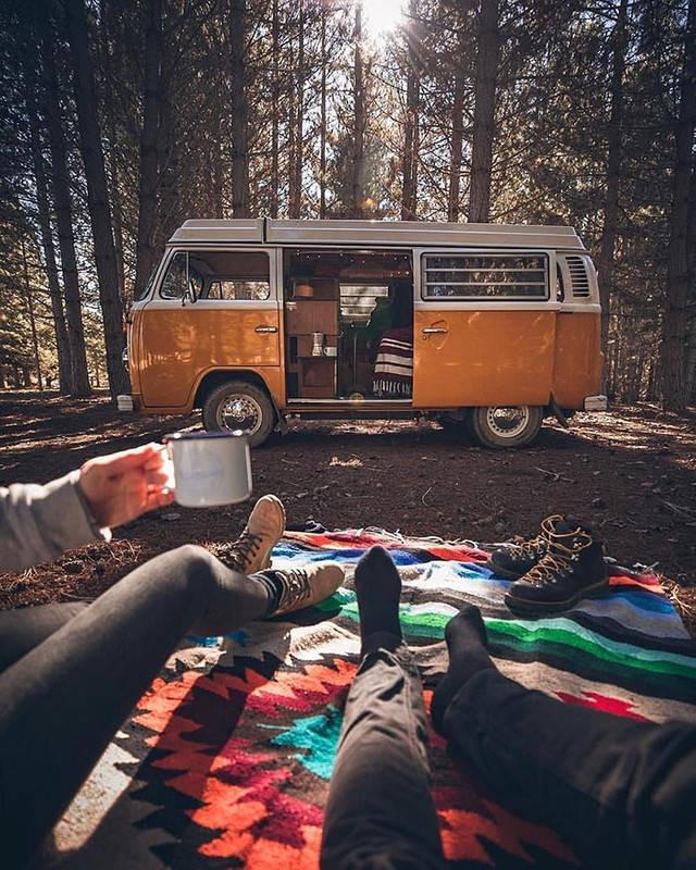 Путешествовать в фургоне по-настоящему приятно - главное, создать уют 7