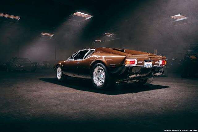 DeTomaso Pantera 1971 - фотографии одного из самых известных ретро-автомобилей 2