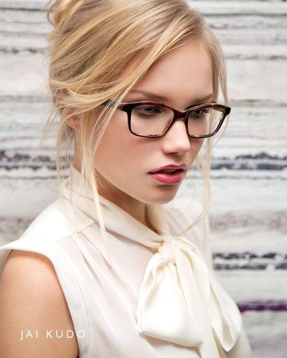 Красивые девушки блондинки в очках (фотоподборка) 2