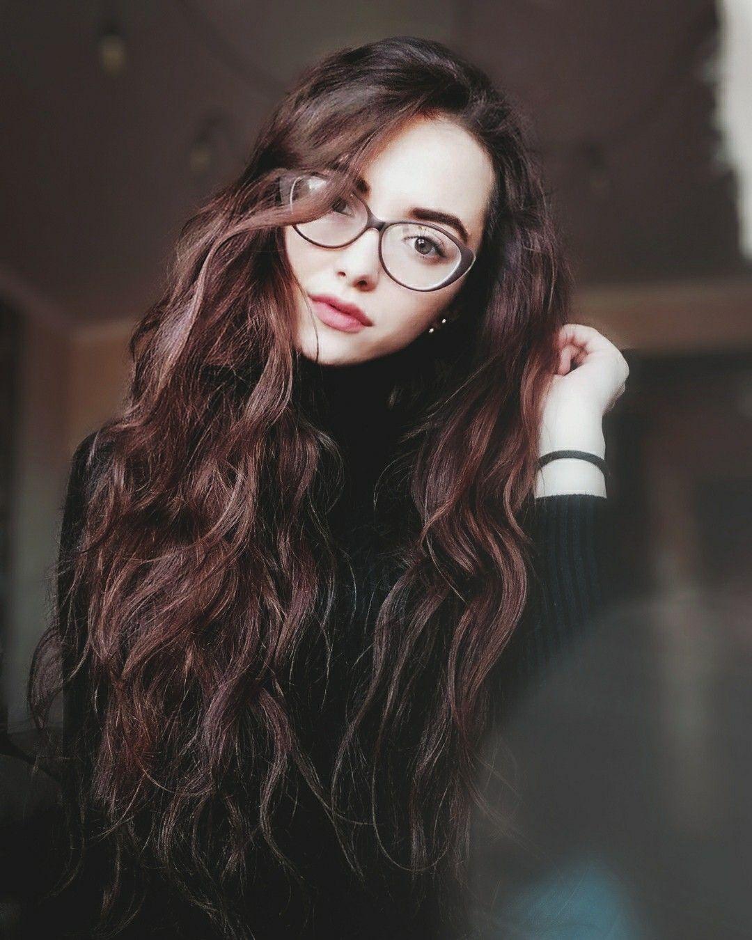 Девушки брюнетки в очках: фотопоборка страстных красавиц 2