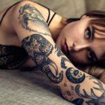 Фото красивых девушек с татуировками: большая подборка 19