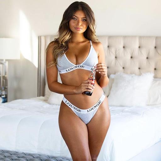 София Джамора (Sofia Jamora) - шикарная бикини-модель с формами (фото и видео) 11