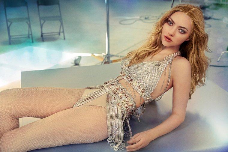 Аманда Сейфрид: горячие фото красотки из «Mamma Mia!» 1