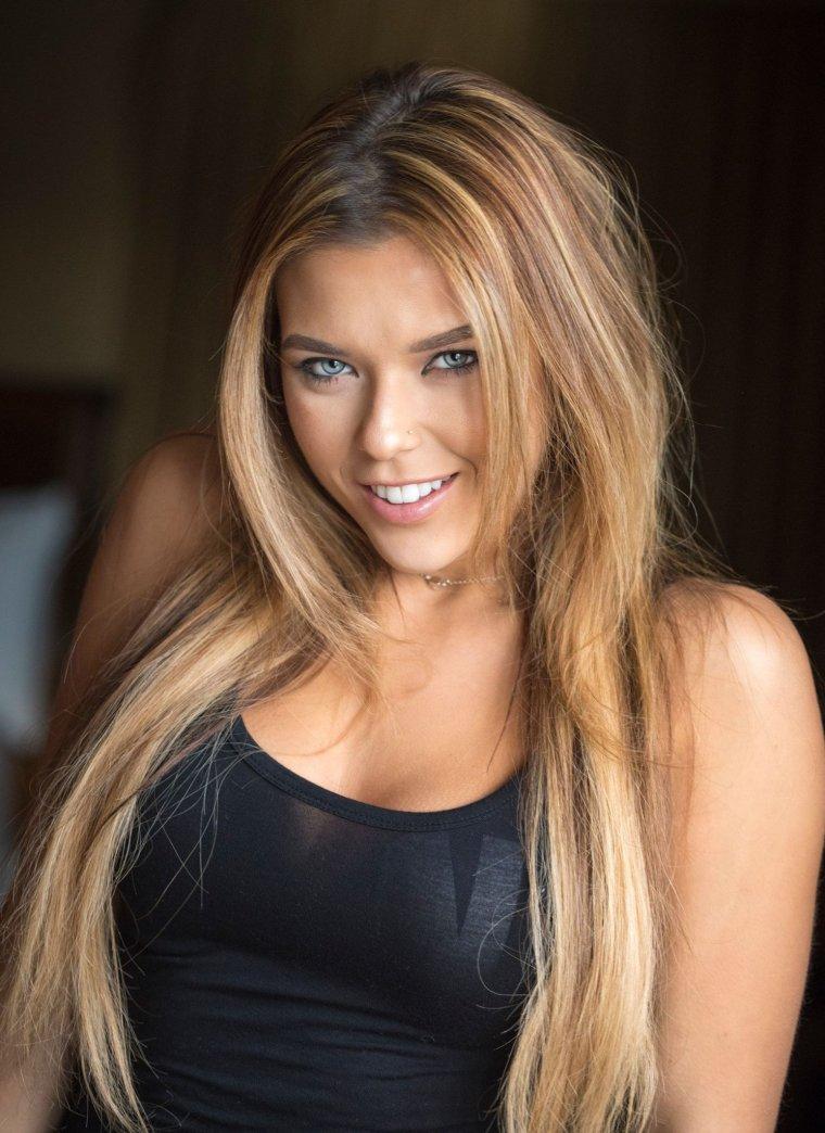 Neesy Rizzo - Сексуальная модель из Нью-Джерси (фото) 1