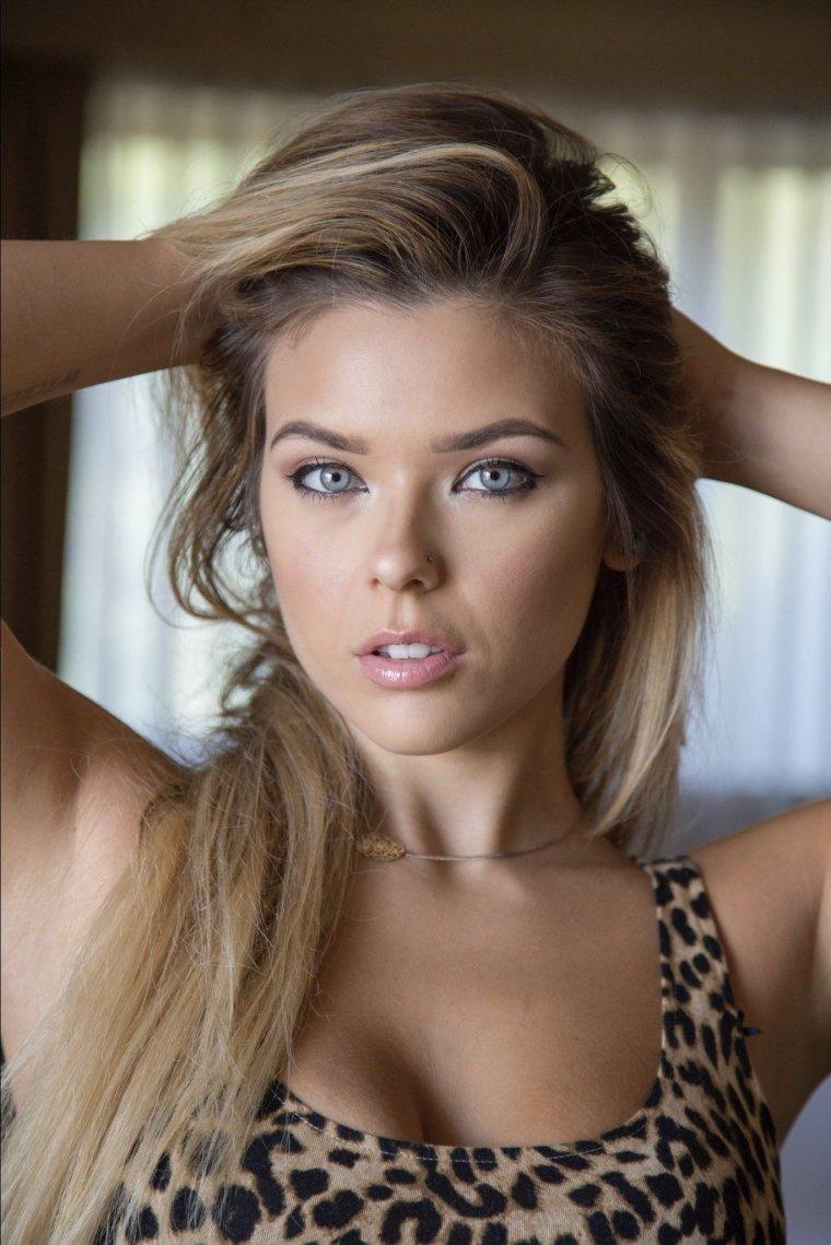 Neesy Rizzo - Сексуальная модель из Нью-Джерси (фото) 3