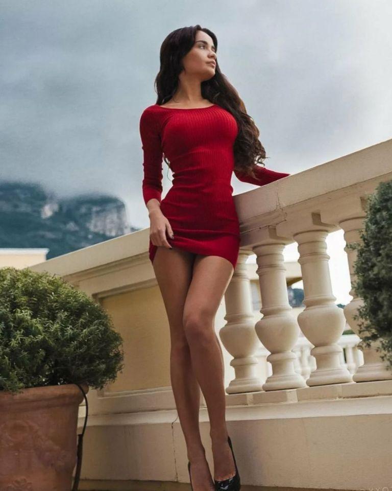 Красотки в коротких платьях: фото сексуальных девушек 11
