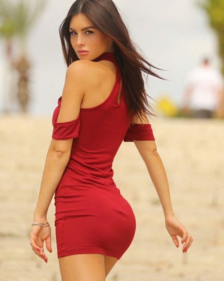 Красотки в коротких платьях: фото сексуальных девушек 12