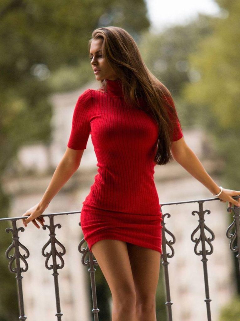 Красотки в коротких платьях: фото сексуальных девушек 15