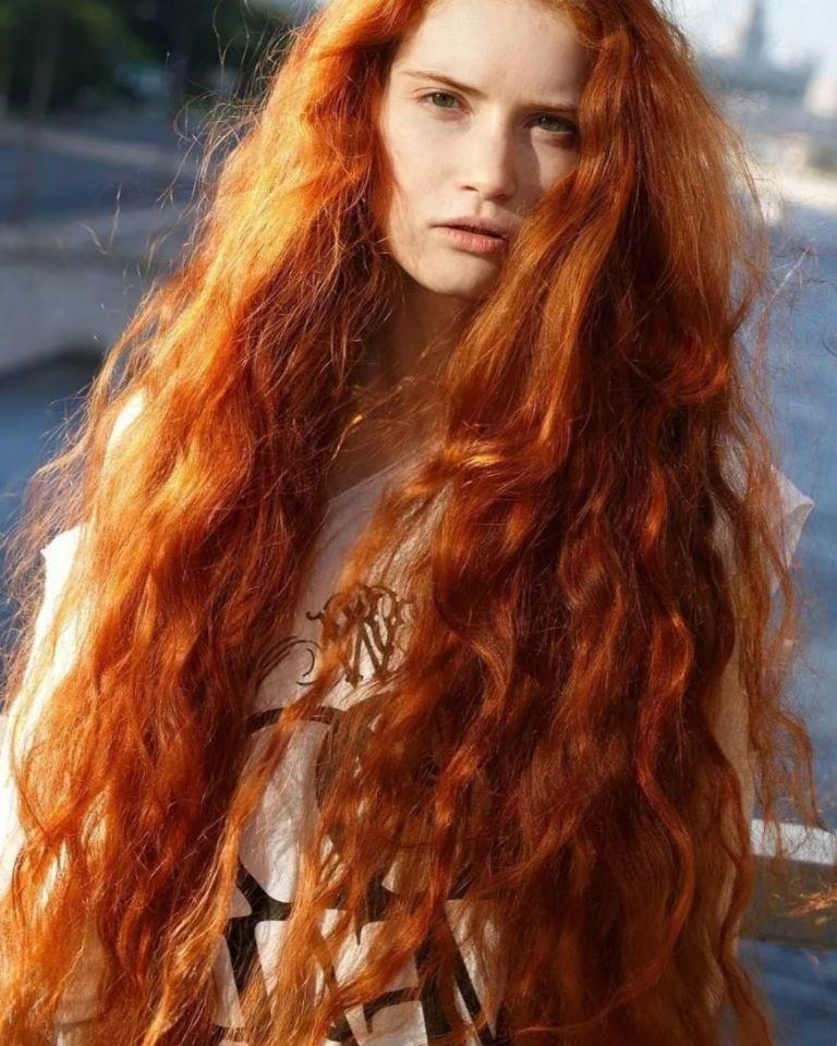 Рыжие девушки с кудрявыми волосами: фото ярких кудряшек 4