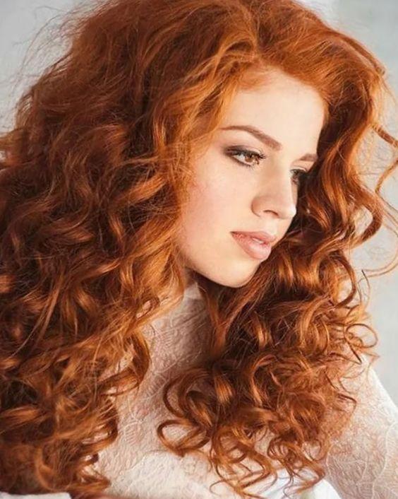Рыжие девушки с кудрявыми волосами: фото ярких кудряшек 5