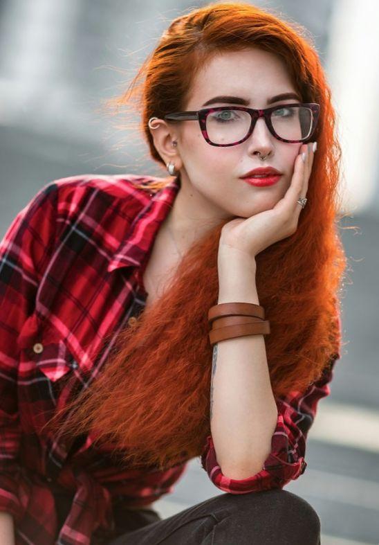 Рыжие девушки с кудрявыми волосами: фото ярких кудряшек 7