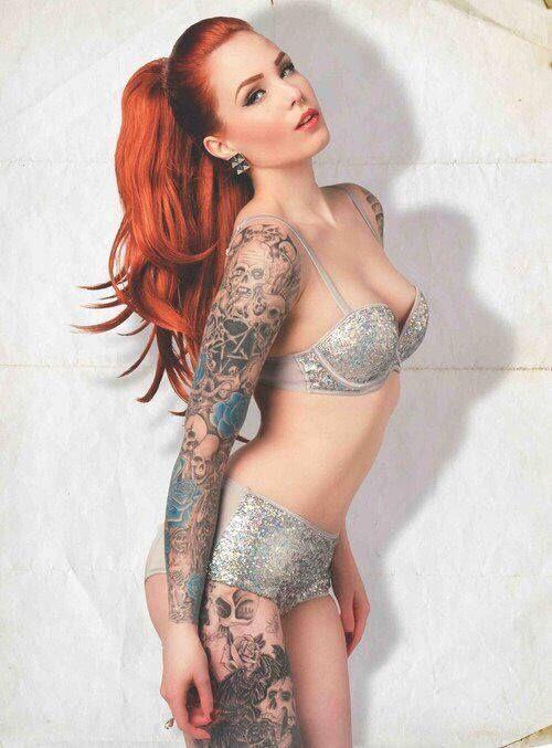 Ну, очень красивые девушки с шикарными татуировками (53 фото) 41