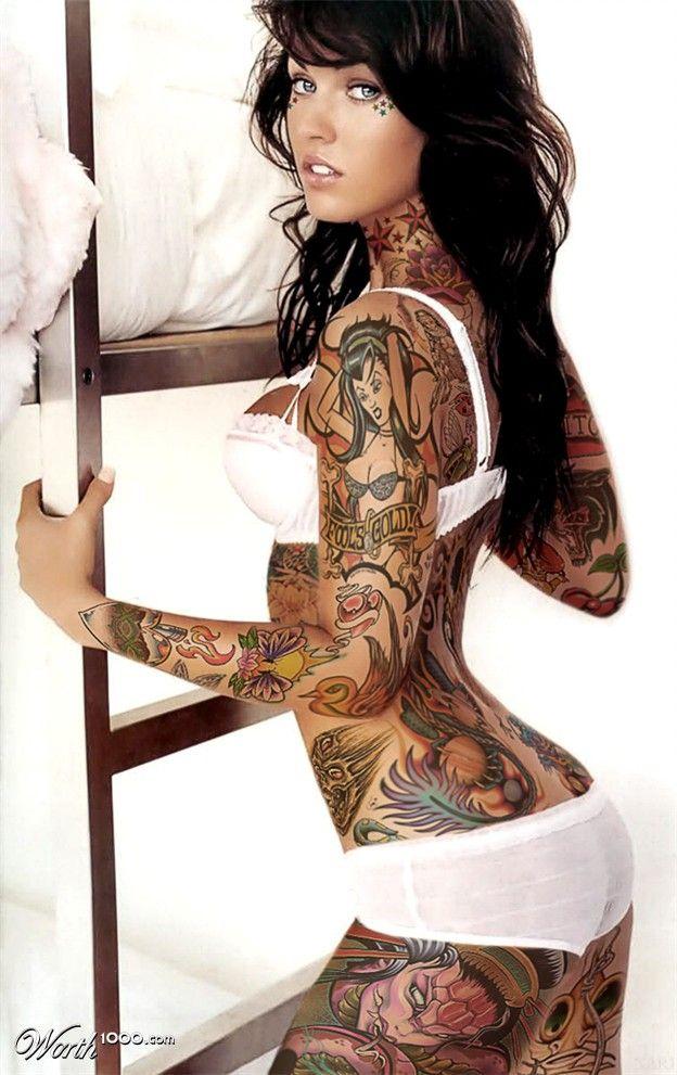 Ну, очень красивые девушки с шикарными татуировками (53 фото) 15