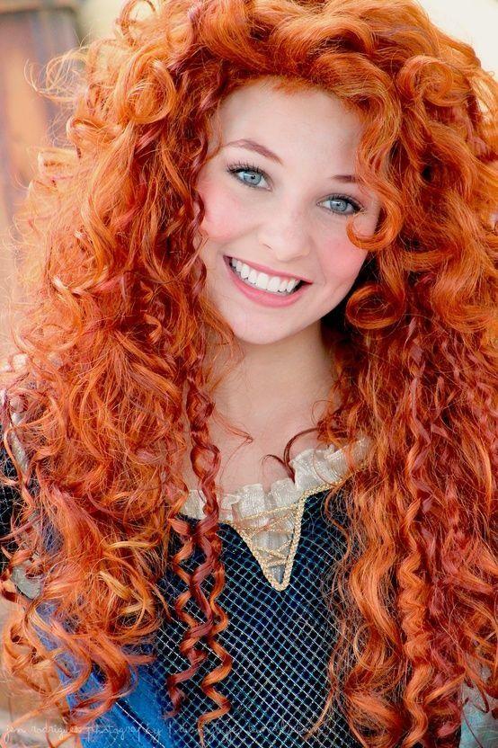 Рыжие девушки с кудрявыми волосами: фото ярких кудряшек 1