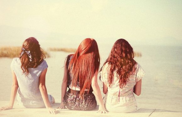 Рыжие красотки: фото со спины - как романтично