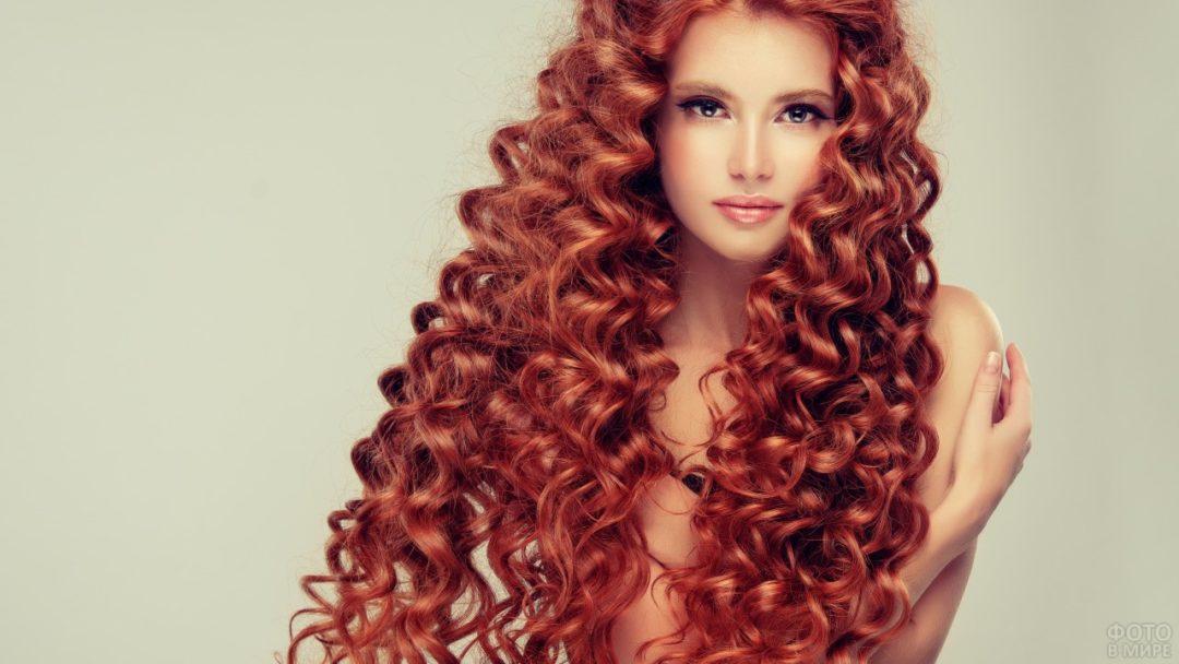 Рыжие девушки с кудрявыми волосами: фото ярких кудряшек 9