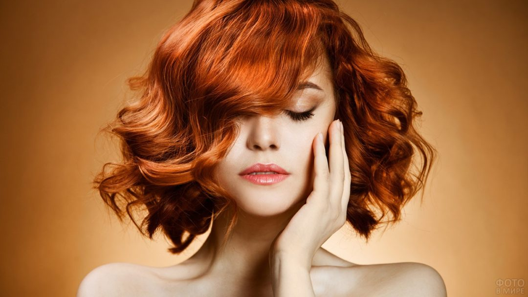 Рыжие девушки с кудрявыми волосами: фото ярких кудряшек 10