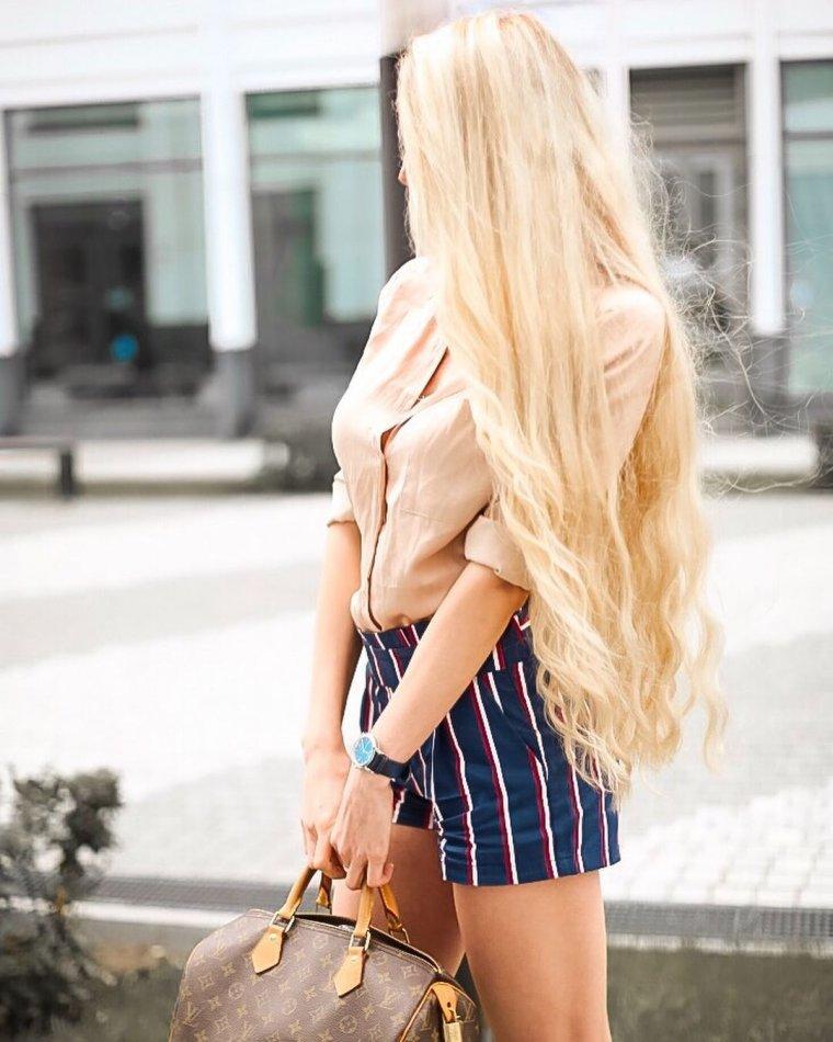 Блондинки с очень длинными волосами (16 фото) 2