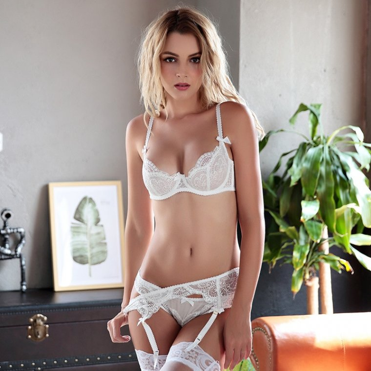 Красивые девушки в белом кружевном белье: милашки 5