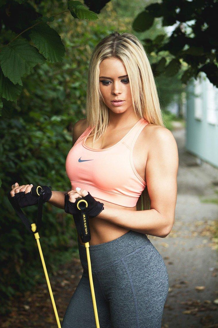Очень красивые фитнес модели (53 ФОТО) 8