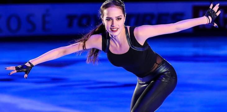 Самые горячие фото Алины Загитовой на льду 5