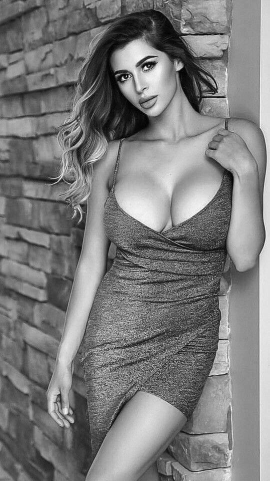 Очень сексуально! Черно-белые фото красоток в жизни и на фотосессиях 8