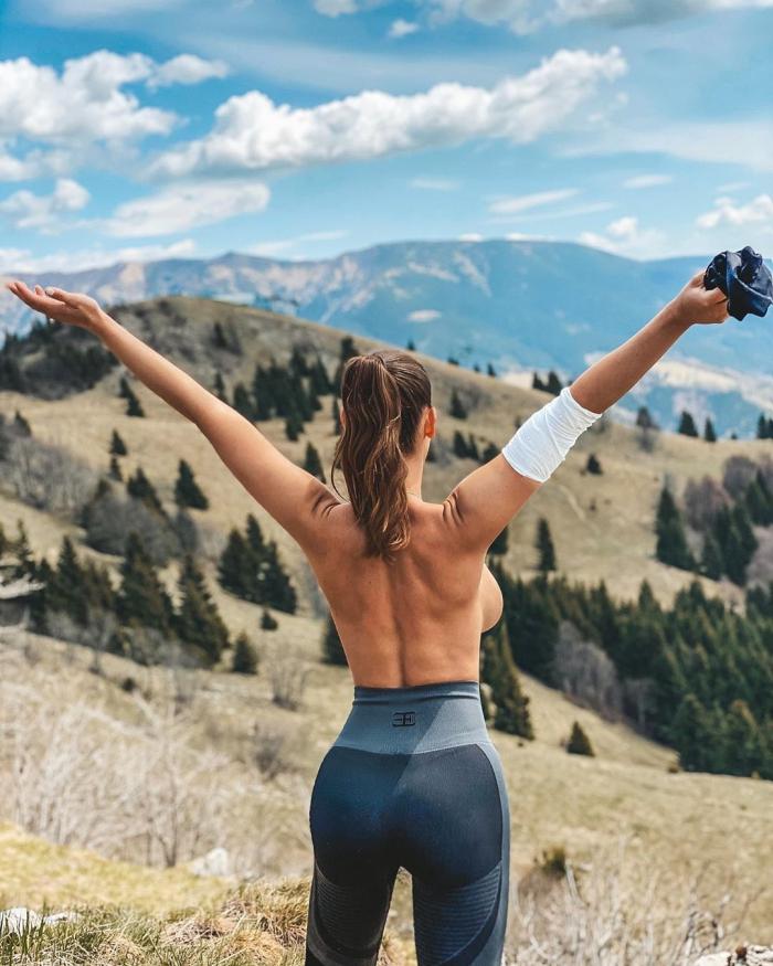 Люсия Яворчекова - сексапильная словацкая велосипедистка делится откровенными снимками 1