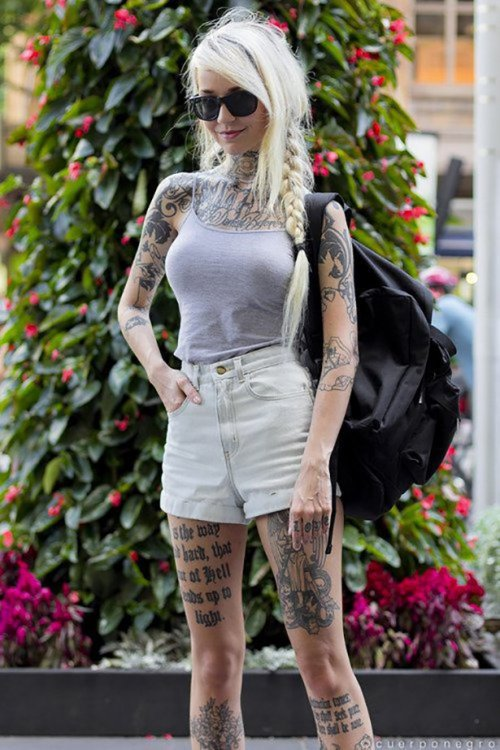 Сексуальные девушки с красивыми татуировками (23 фото) 19