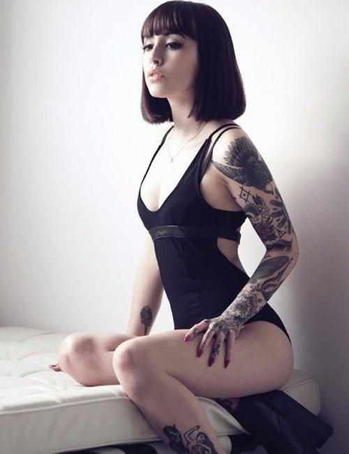 Сексуальные девушки с красивыми татуировками (23 фото) 8