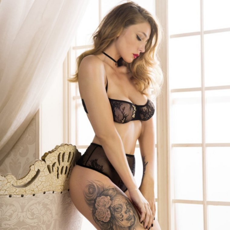 Анастасия Ивлеева - горячие фото звезды «Орла и Решки» 10