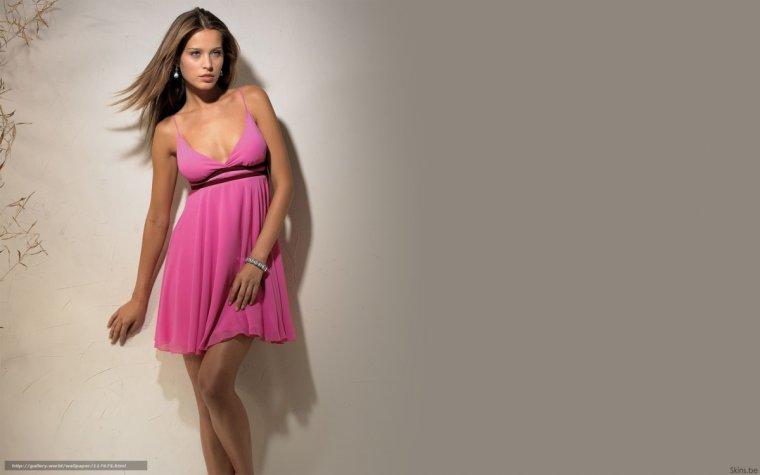 Фото девушек в розовых платьях: гламурные милашки 7
