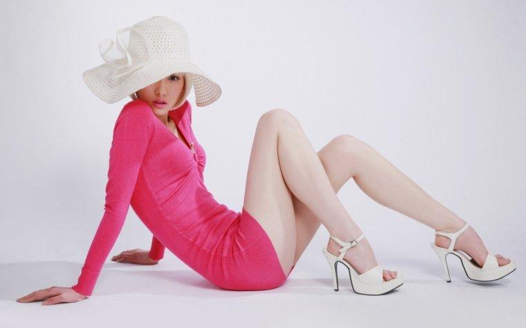 Фото девушек в розовых платьях: гламурные милашки 8