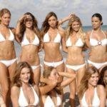 Красотки в белых купальниках - Летняя подборка фотографий 32