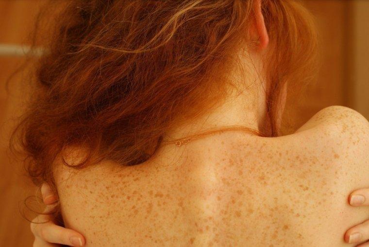 Фото рыжих девушек с длинными волосами со спины 1