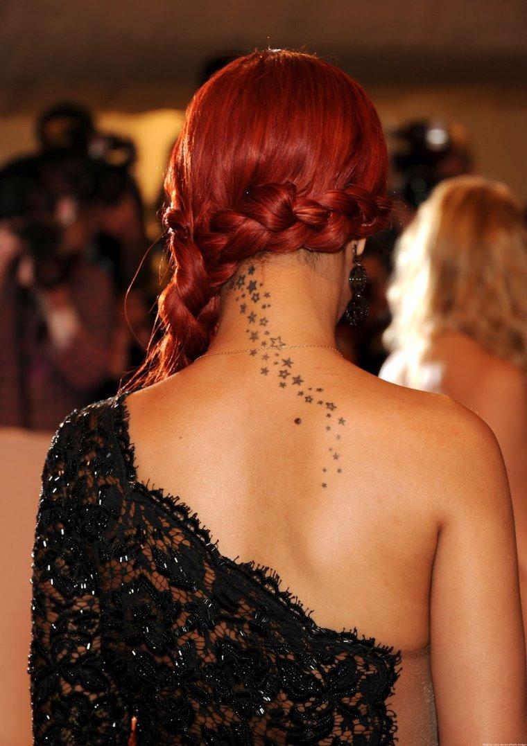 Фото рыжих девушек с длинными волосами со спины 10