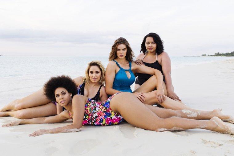 Полненькие девушки в купальниках: летние фото 4